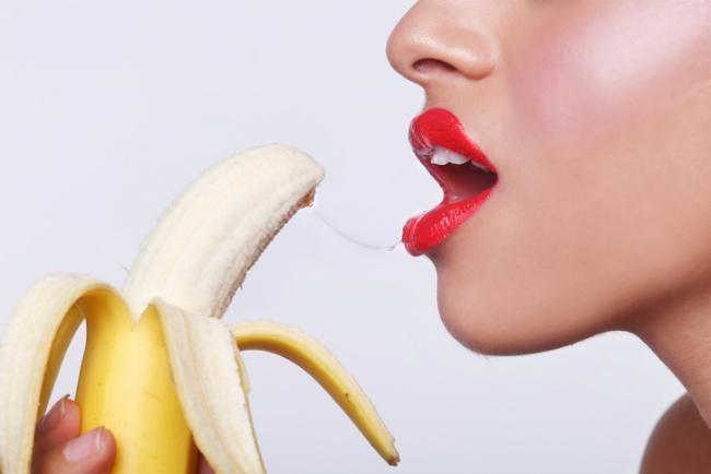 hogyan kínozzák a nők a péniszt