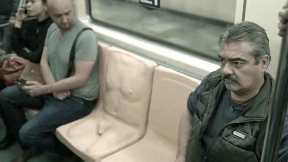 meztelen férfi hímvesszők részeg merevedés