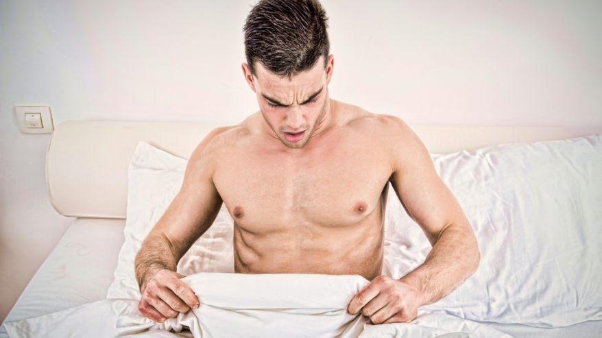 fia erekciója a fürdőszobában gyógyszerek az erekció csökkentésére