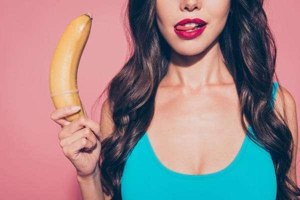 a pénisz nem túl nehéz erekcióval